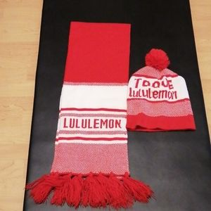 Lululemon scarves/Touque